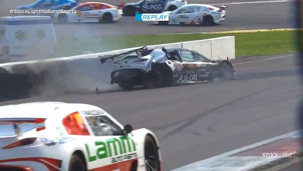 Stock Light 2019. Race 2 Autódromo Internacional de Curitiba. Raphael Teixeira Crash | Collision_5d7e7ee6623f5.jpeg