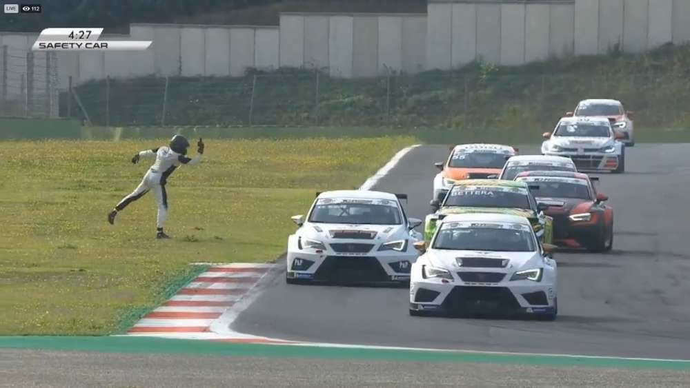 TCR Italy 2019. Race 2 Autodromo Vallelunga. Marco Pellegrini Crash | Angry_5d7df2491915a.jpeg