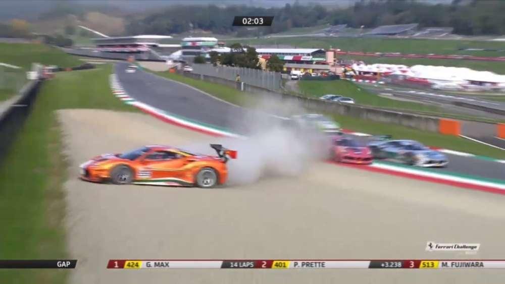 Ferrari Challenge Asia Pacific 2019. Race 1 Autodromo Internazionale del Mugello. Hard Crash_5db37dda502ef.jpeg