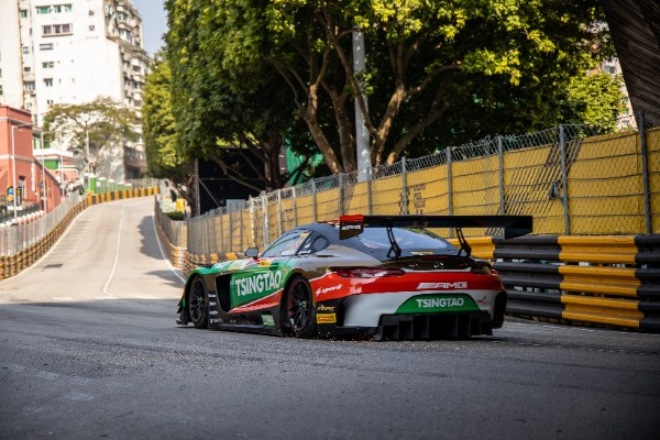 ACCIDENT ENDS EDOARDO MOTARA'S FIA GT WORLD CUP QUALIFYING RACE