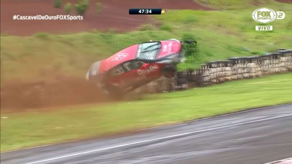 Cascavel de Ouro 2019. Autódromo Zilmar Beux de Cascavel. Crashes Compilation_5dc03c9f846aa.jpeg