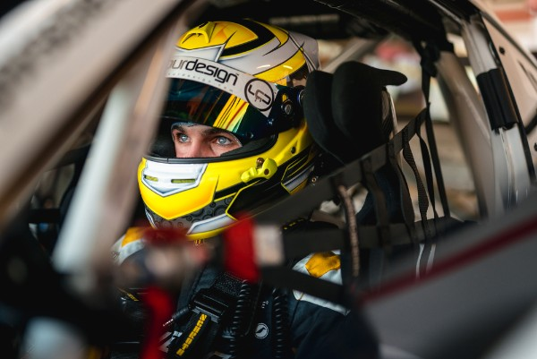 HARRY KING NAMED PORSCHE CARRERA CUP GB JUNIOR FOR 2020 AND 2021 SEASONS_5dc73a38948fc.jpeg