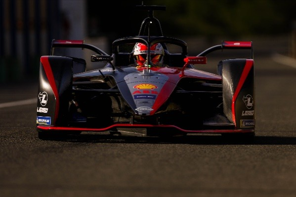 NISSAN E.DAMS HEADS INTO NEW FORMULA E SEASON WITH UPDATED POWERTRAIN_5dd3af5f05800.jpeg