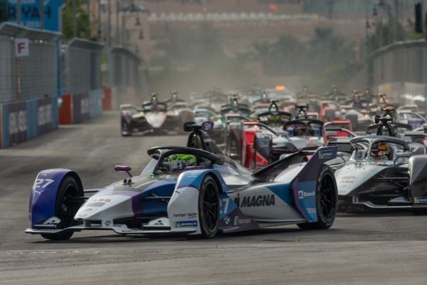 POLE POSITION AND TOP-TEN FINISH FOR ALEXANDER SIMS AT THE FORMULA E SEASON OPENER IN DIRIYAH_5dd7fe2177cfc.jpeg