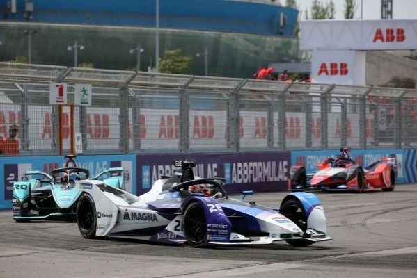 MAXIMILIAN GUNTHER CLAIMS THE FIRST WIN OF HIS FORMULA E CAREER_5e241761e0f1b.jpeg