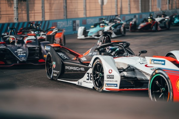 PORSCHE HIGHLY MOTIVATED TO GAIN FORMULA E EXPERIENCE AND SCORE POINTS IN CHILE_5e1da8dfa8efd.jpeg