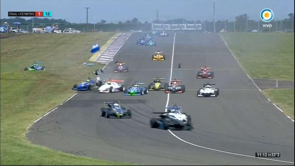 Formula 3 Metropolitana 2020. FR2 Autódromo de Concepción del Uruguay. Spins Big Crash_5e42f4907d76c.jpeg