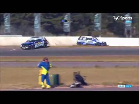 Turismo Pista 2020. Autódromo Oscar Cabalén. Crashes_5e690caeb3b02.jpeg