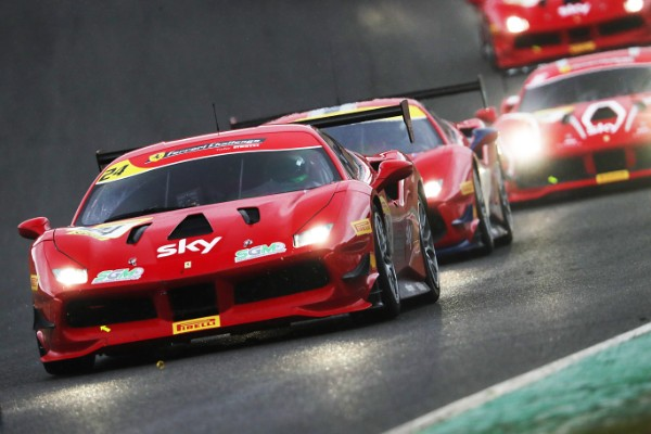 KHERA AND DE ZILLE DO THE FERRARI CHALLENGE UK DOUBLE AT BRANDS HATCH_5f1dd0226e221.jpeg