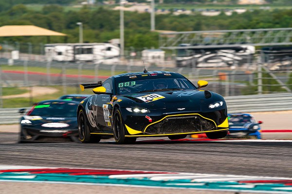 GT4 AMERICA CHAMPIONSHIP TITLE TO BE DETERMINED AT INDIANAPOLIS FOR FLYING LIZARDMOTORSPORTS_5f7462997ad5a.jpeg