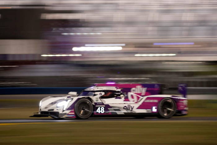 ALLY CADILLAC DPI-V.R LEADS ROLEX 24 AT EIGHT HOURS
