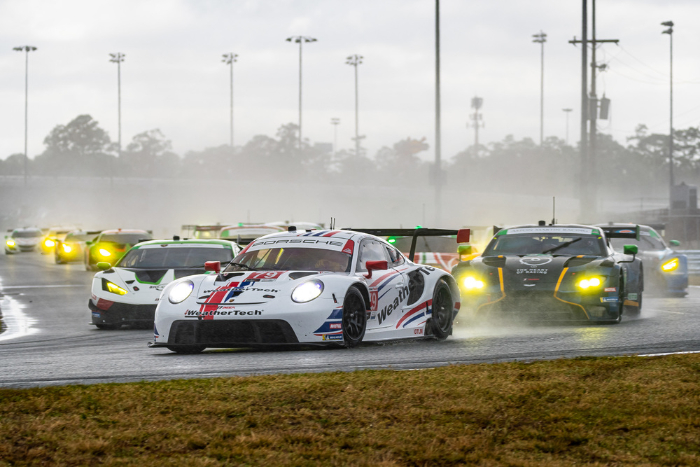 PORSCHE CUSTOMER TEAMS ACHIEVE PODIUM RESULTS IN BOTH GT CLASSES AT DAYTONA_600ea22a4ca6a.jpeg