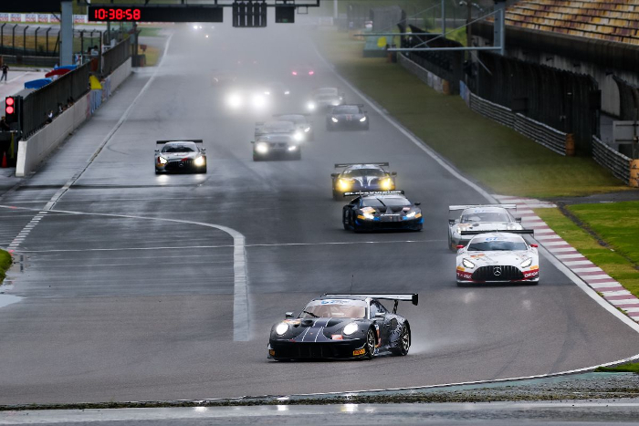 PODIUM FINISHES FOR PORSCHE CUSTOMERS IN SOAKED GT SUPER SPRINTCHALLENGE_613f64e83fb20.jpeg